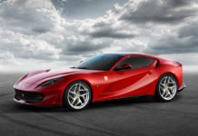 2017 Ferrari 812 Superfast front quarter