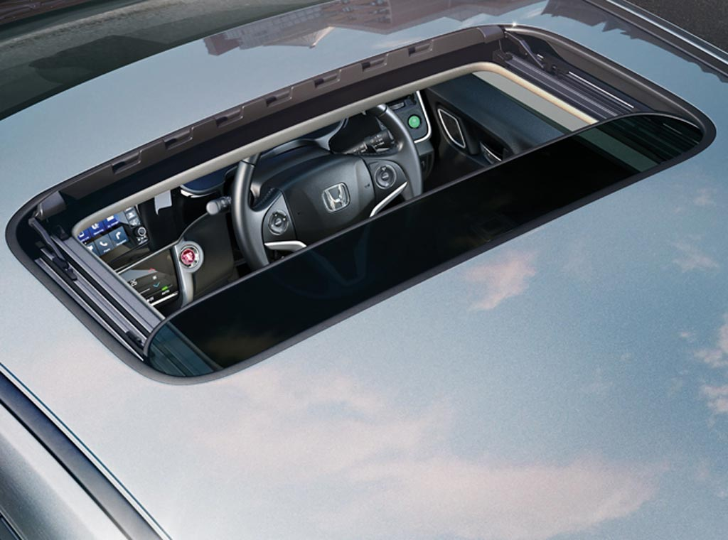 Honda City 2017 One Touch Electric Sunroof