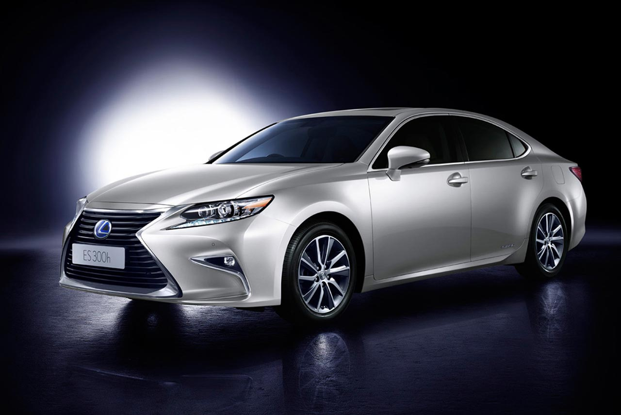 lexus es300h hybrid luxury sedan launched in india at inr 55 lakh autobics. Black Bedroom Furniture Sets. Home Design Ideas