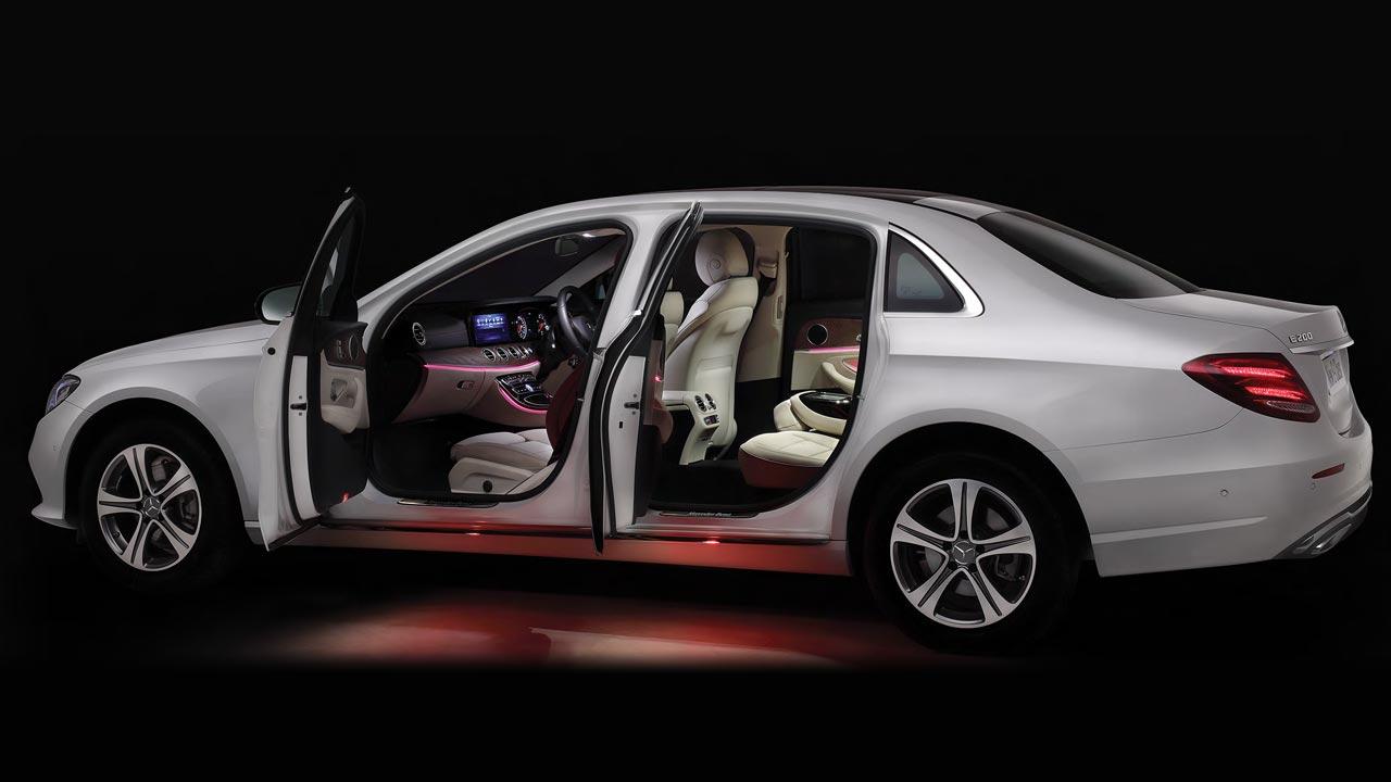 Mercedes-Benz E-Class: Doors