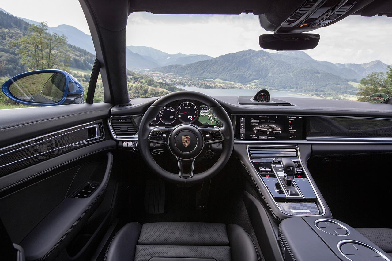 2017 Porsche Panamera Turbo Black Interior