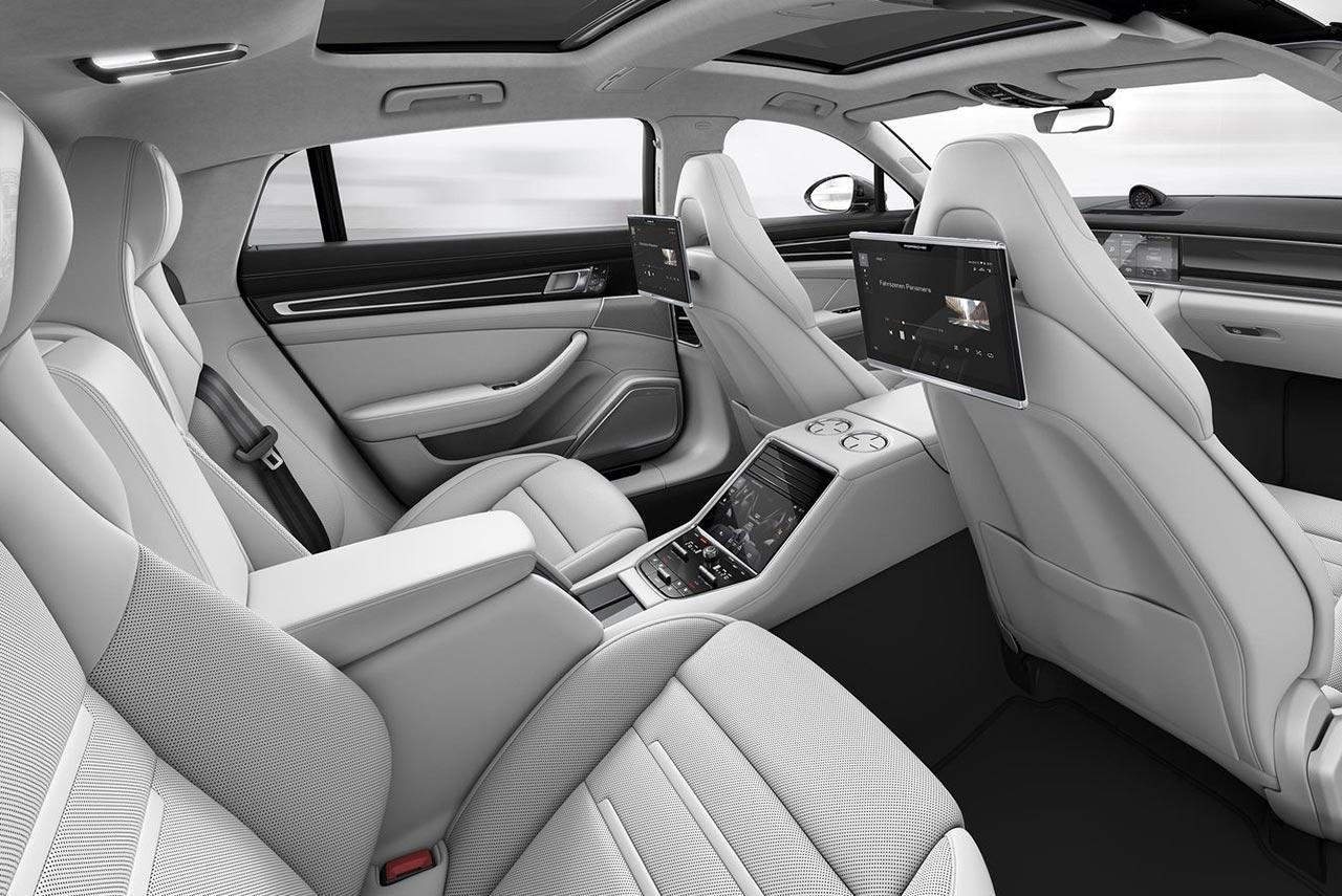 Car interior entertainment - 2017 Porsche Panamera Turbo Interior Porsche Rear Seat Entertainment