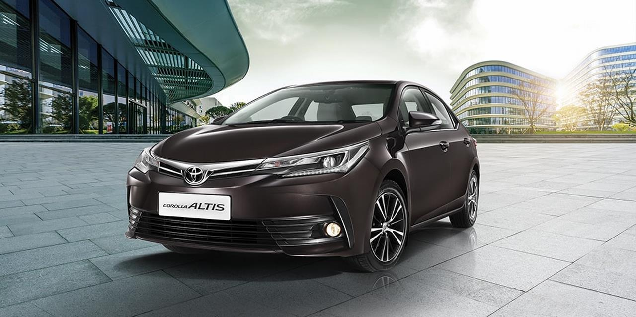 2017 toyota corolla altis launched in india price starts from inr 15 8 lakhs autobics. Black Bedroom Furniture Sets. Home Design Ideas
