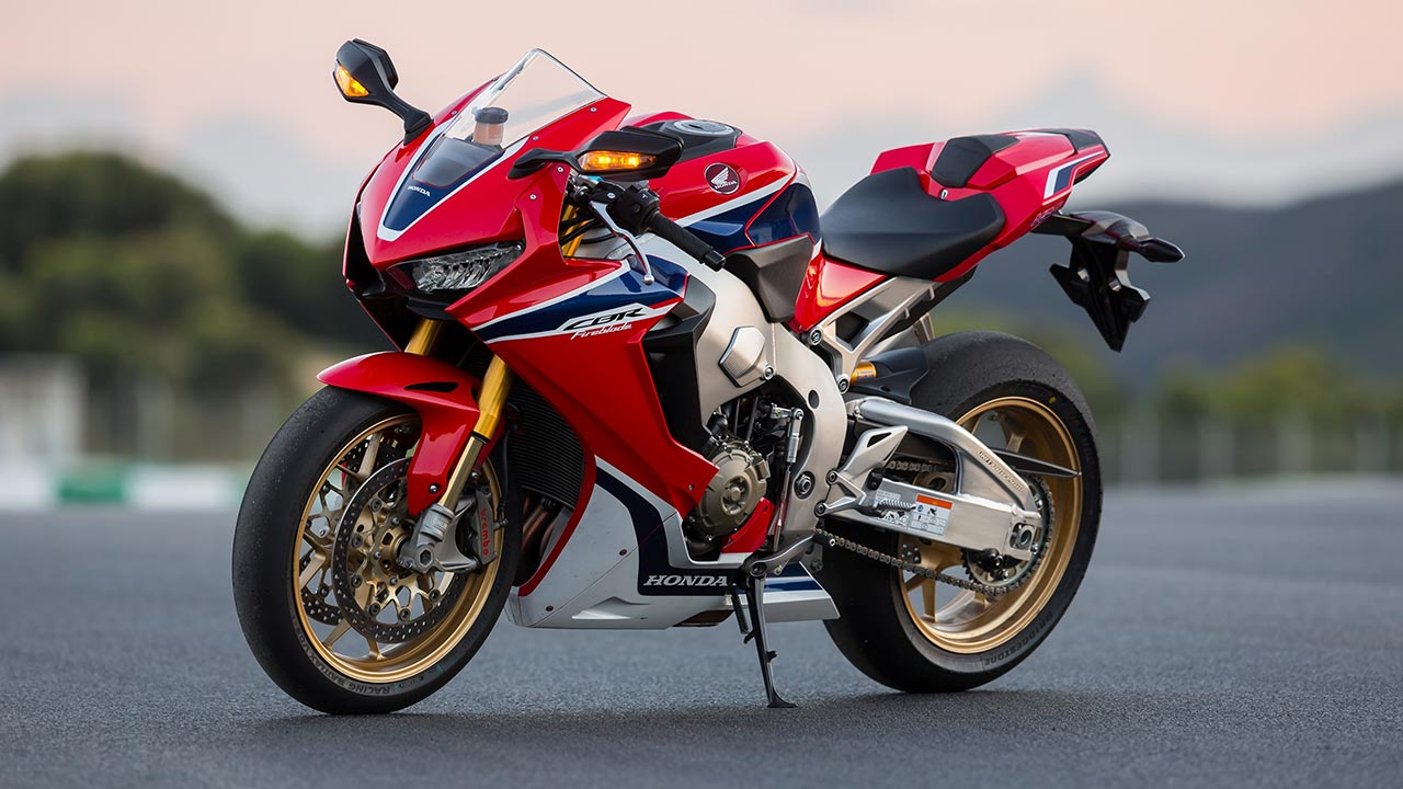 Cbr Honda Bike >> 2017 Honda CBR1000RR Fireblade and CBR1000RR Fireblade SP launched in India | AUTOBICS