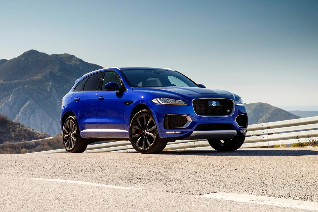 the 2017 jaguar f pace is officially the best and most beautiful car in the world autobics. Black Bedroom Furniture Sets. Home Design Ideas