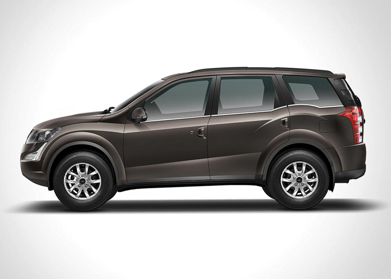 2017 Mahindra Xuv500 Lake Side Brown Side Autobics