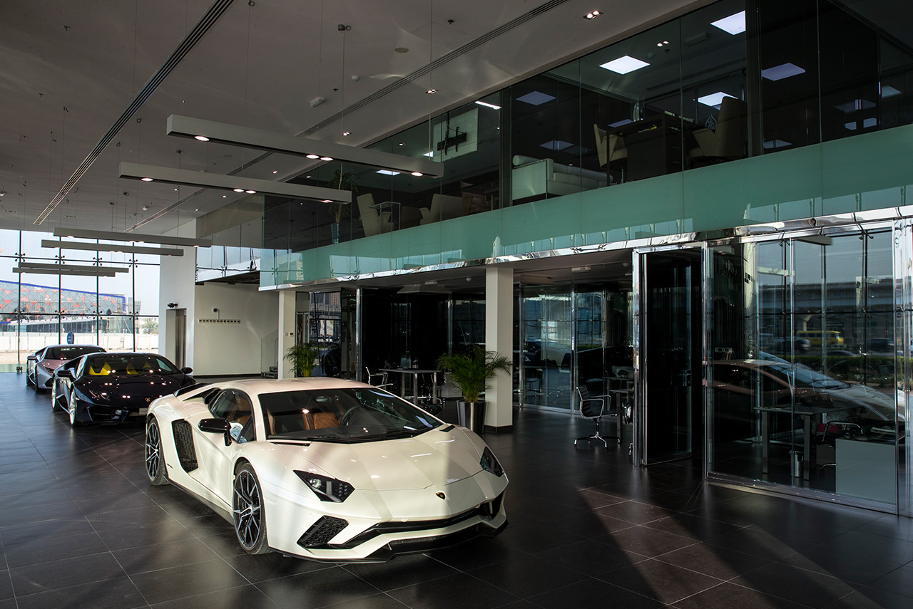 lamborghini dubai showroom aventador s | AUTOBICS