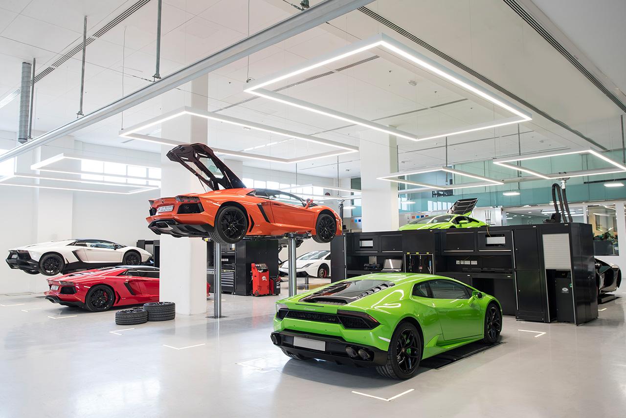 lamborghini dubai showroom service centre