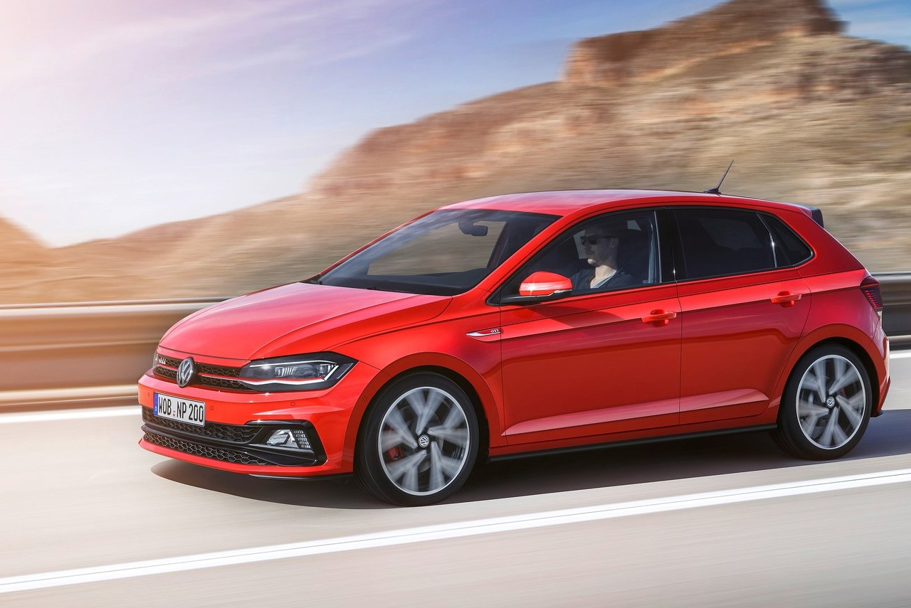 2017 volkswagen polo gti front quarter autobics. Black Bedroom Furniture Sets. Home Design Ideas