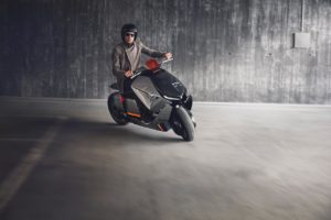 BMW Motorrad Concept Link rider