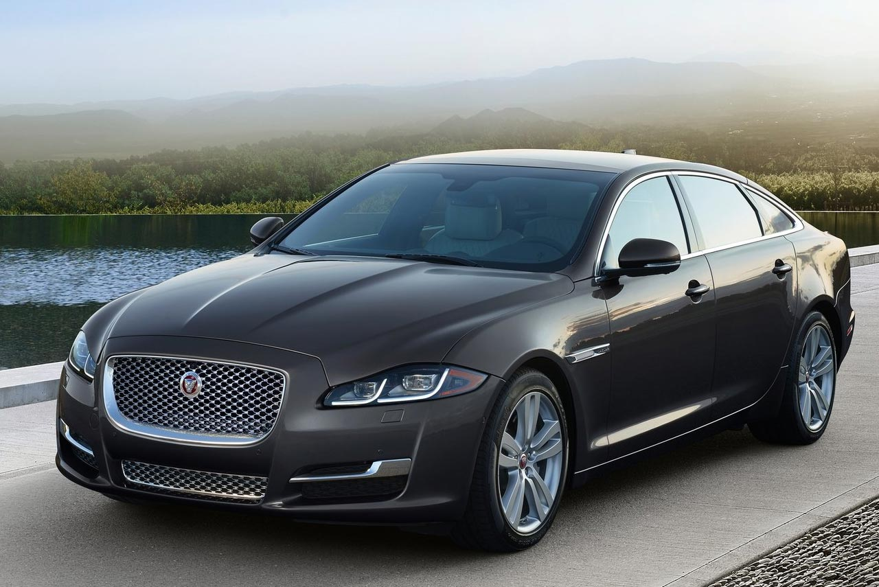 jaguar land rover india announces new prices following rollout of gst autobics. Black Bedroom Furniture Sets. Home Design Ideas