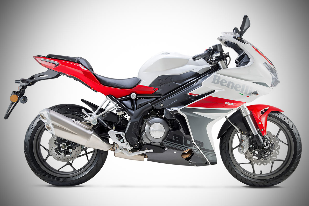 Review: Is The Benelli 302R As Sweet As It Sounds?
