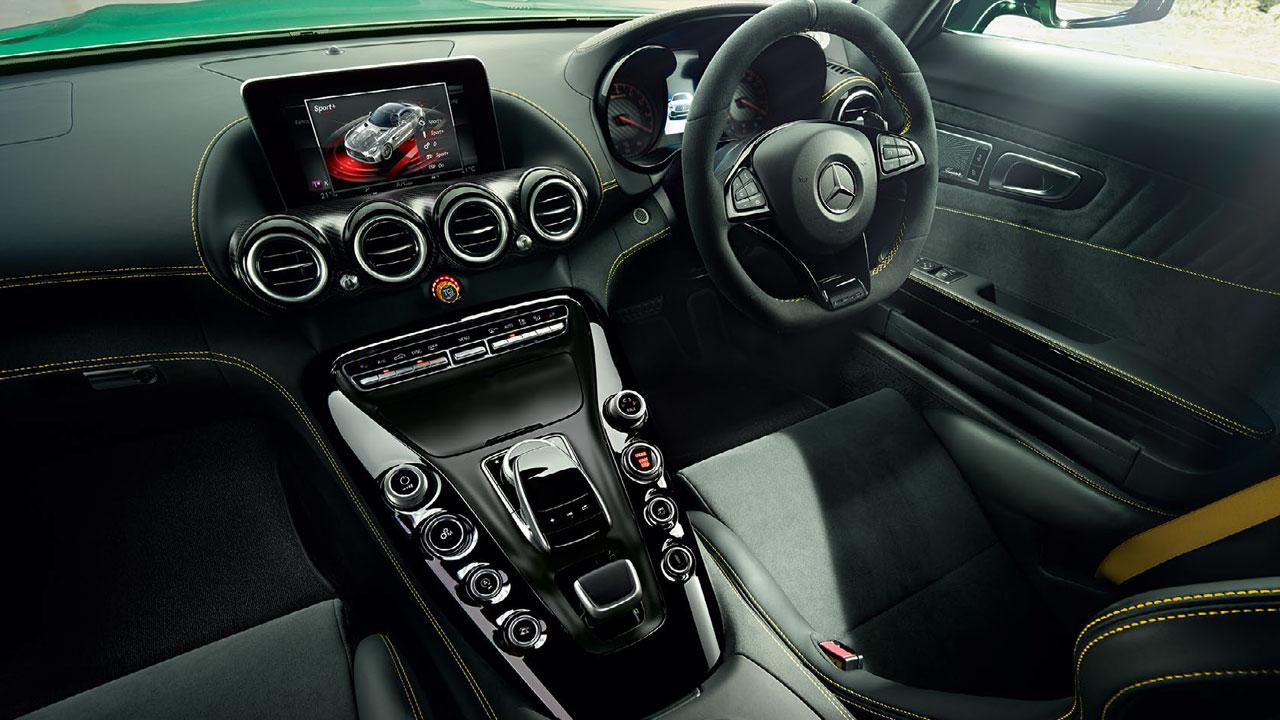 2017 mercedes-amg gt r interior | AUTOBICS