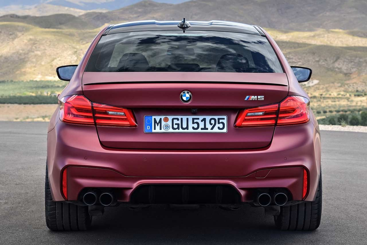 the 2018 bmw m5 has been revealed autobics. Black Bedroom Furniture Sets. Home Design Ideas