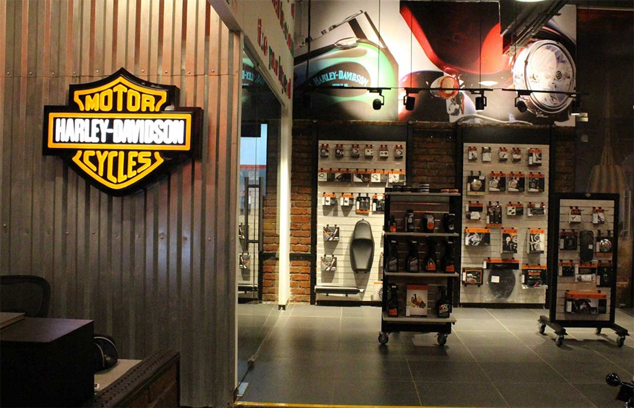 warrior harley-davidson concept store kolhapur inside area