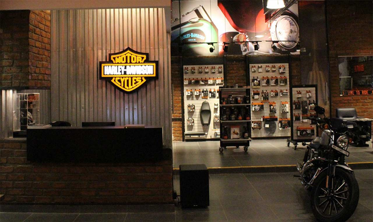harley davidson launches its first concept store in india. Black Bedroom Furniture Sets. Home Design Ideas