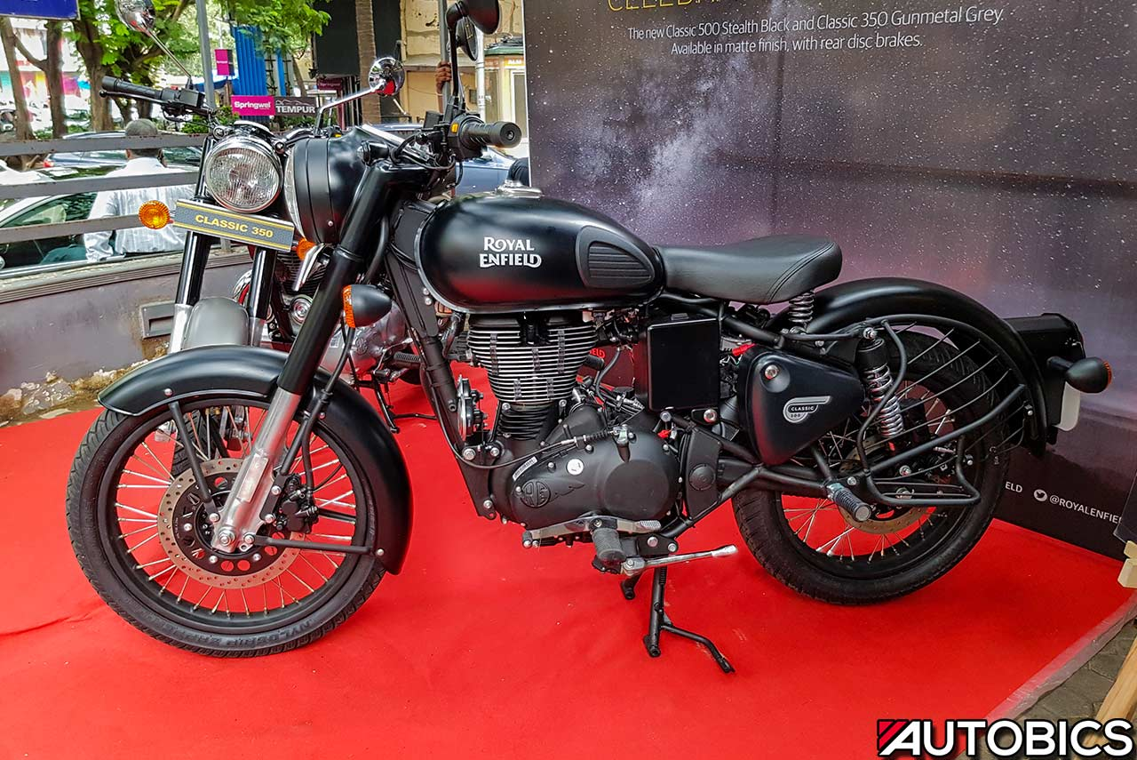 2017 Royal Enfield Classic 500 Stealth Black Side Mumbai Autobics