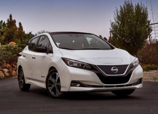 2018 nissan leaf front right view