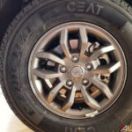 2017 mahindra tuv300 t10 bold black alloy wheel