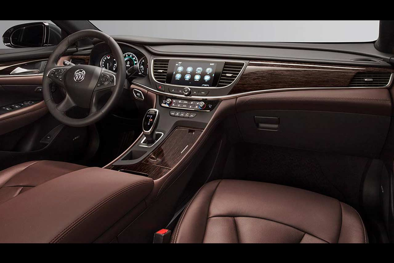 Buick LaCrosse: Front Seat
