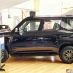 mahindra tuv300 t10 bold black side 2017