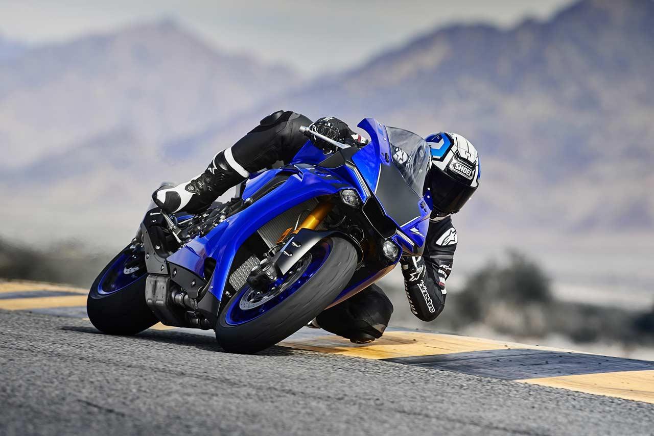 2018 Yamaha YZF-R1 Cornering