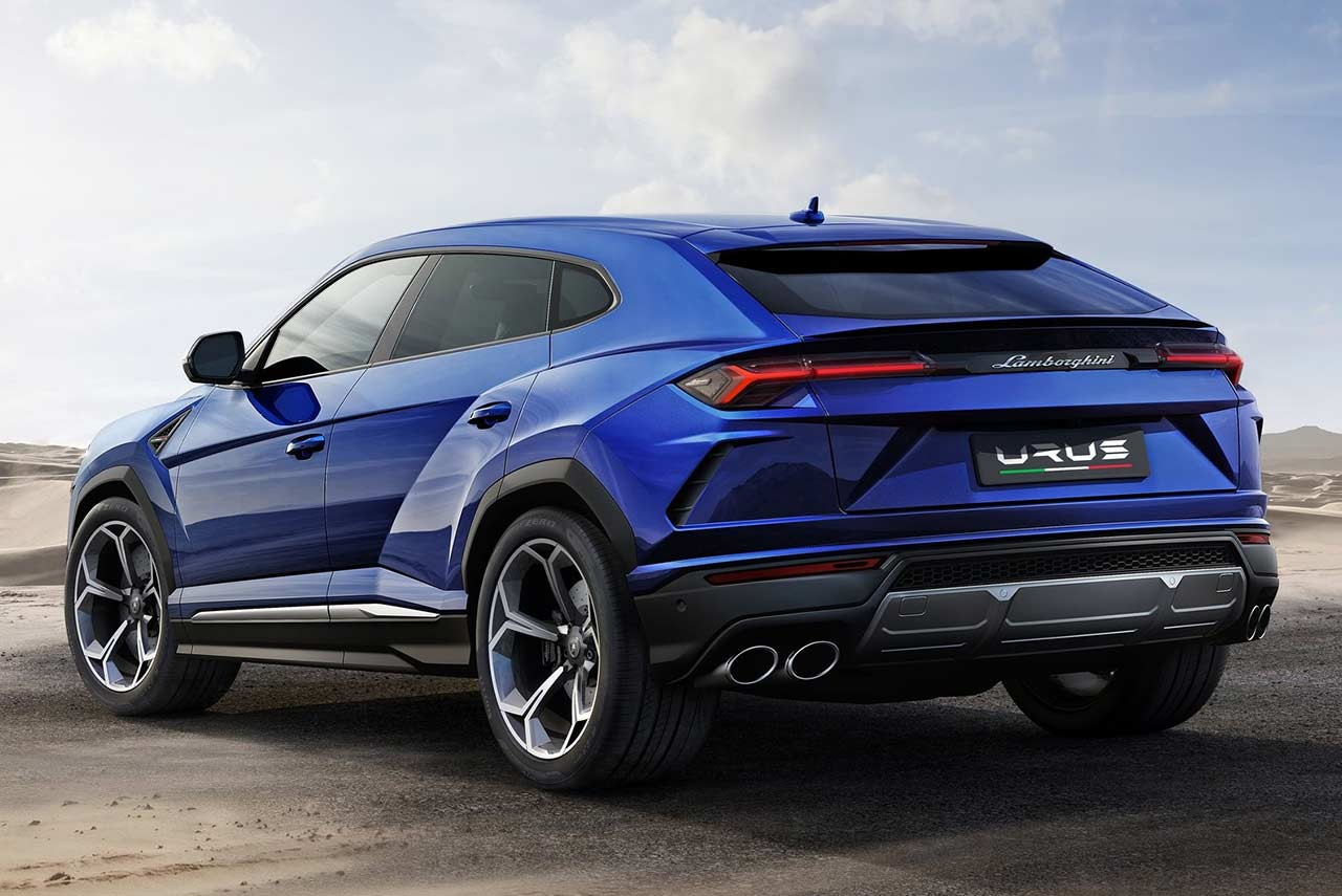 2019 - [Infiniti] QX Inspiration Concept Lamborghini-Urus-SUV-Rear-Left