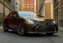 2018 Lexus LS 500h Front Right