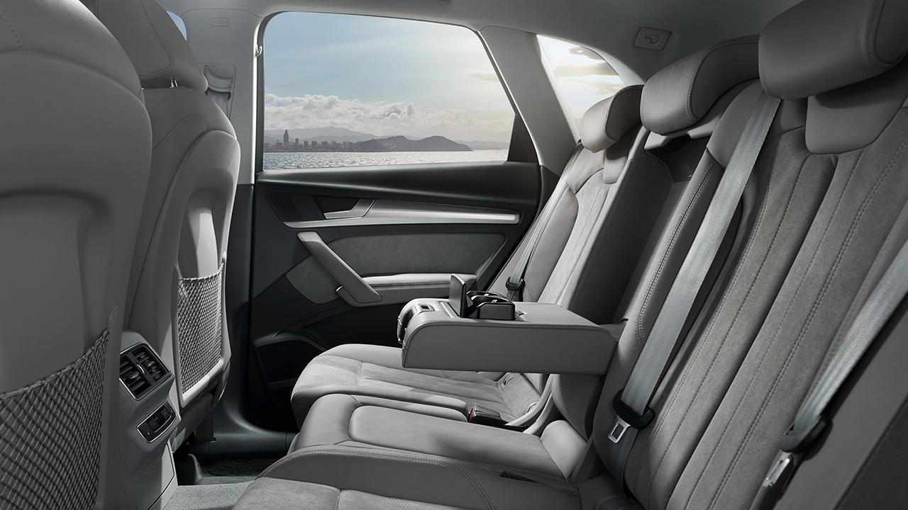 Audi Q5 Rear Seats 2018 | AUTOBICS