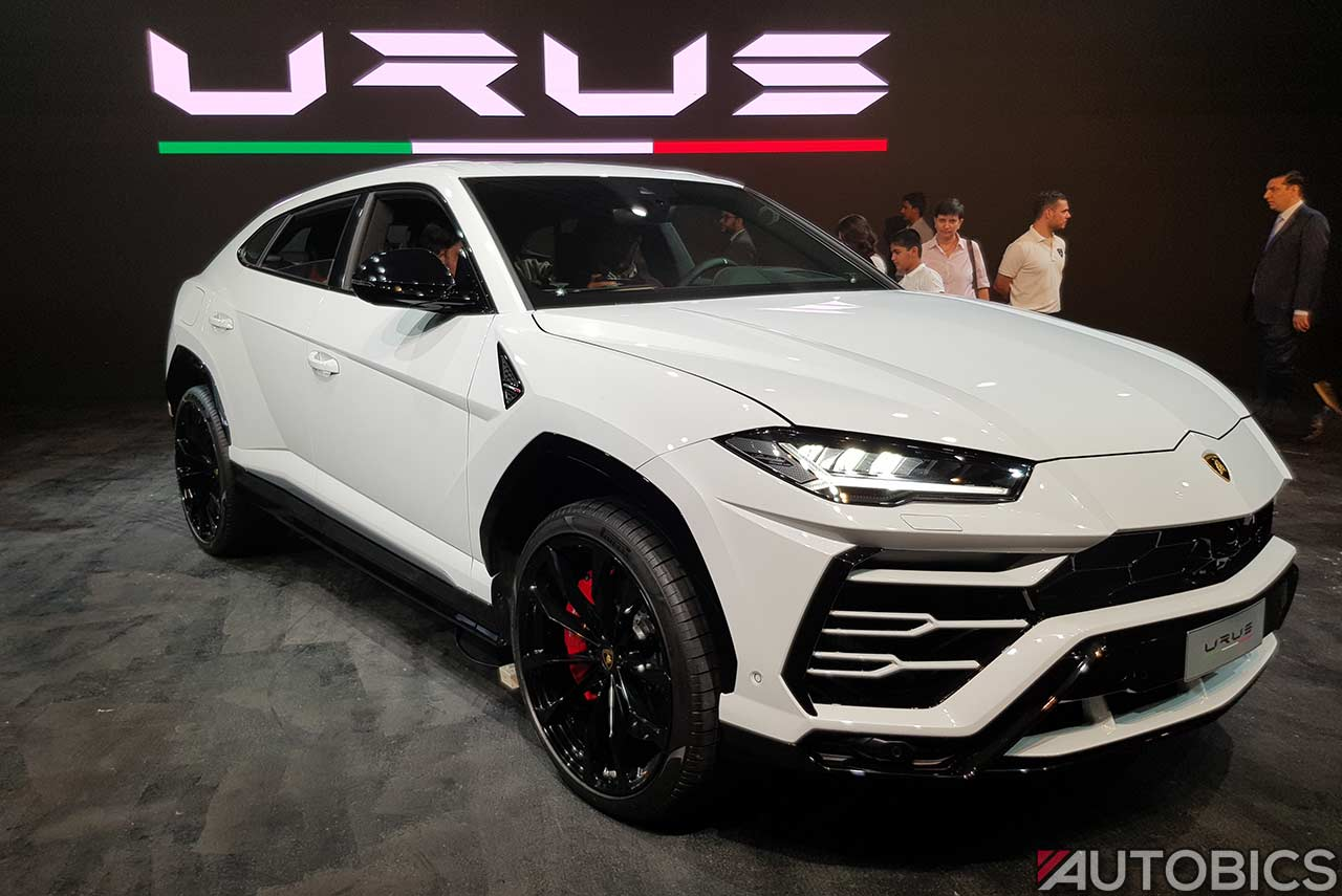 Lamborghini Urus 2019 Front Right White Autobics