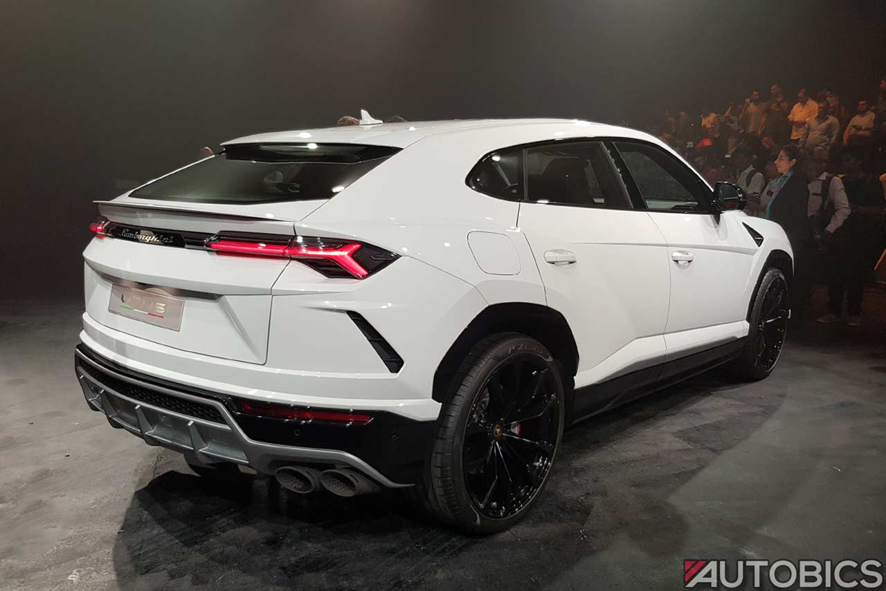 Lamborghini Urus 2019 Rear Right White Autobics