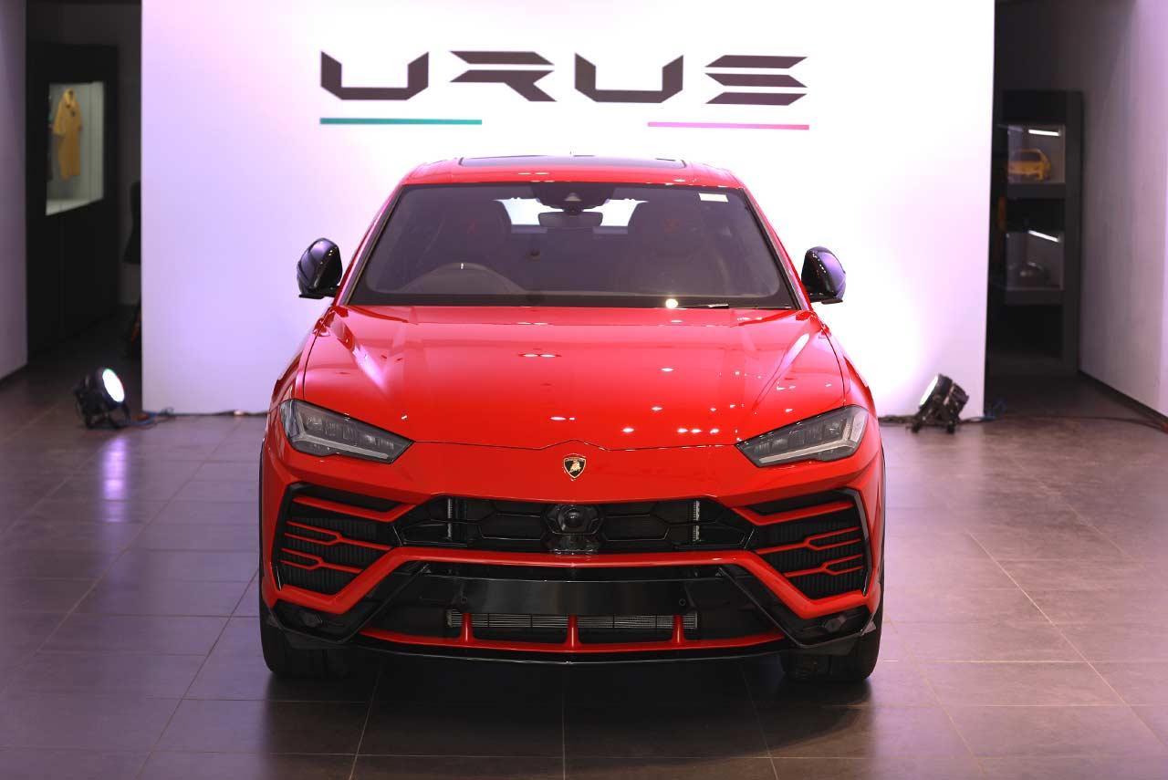 India S First Lamborghini Urus Super Suv Delivered In Mumbai Autobics