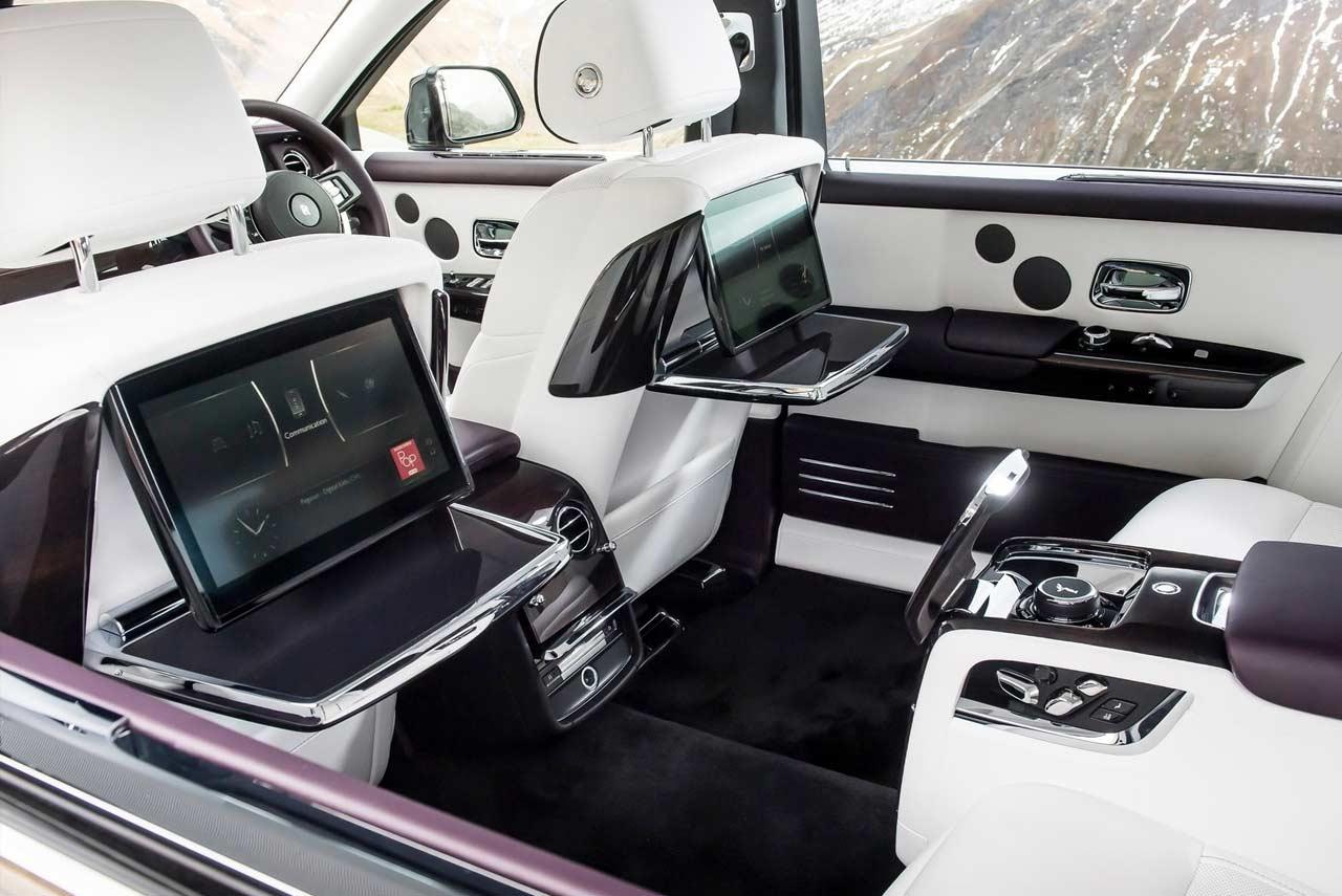 Captivating 2018 Rolls Royce Phantom VIII Interior (11)
