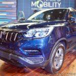 Mahindra Rexton XUV 700 Auto Expo 2018 IAB Front Quarter