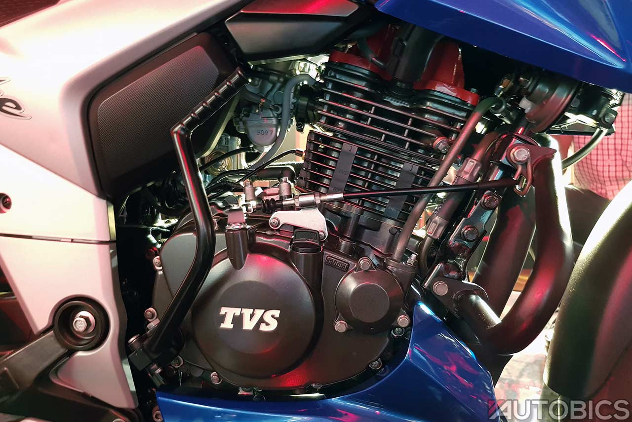 2018 TVS Apache RTR 160 4V Engine Right | AUTOBICS
