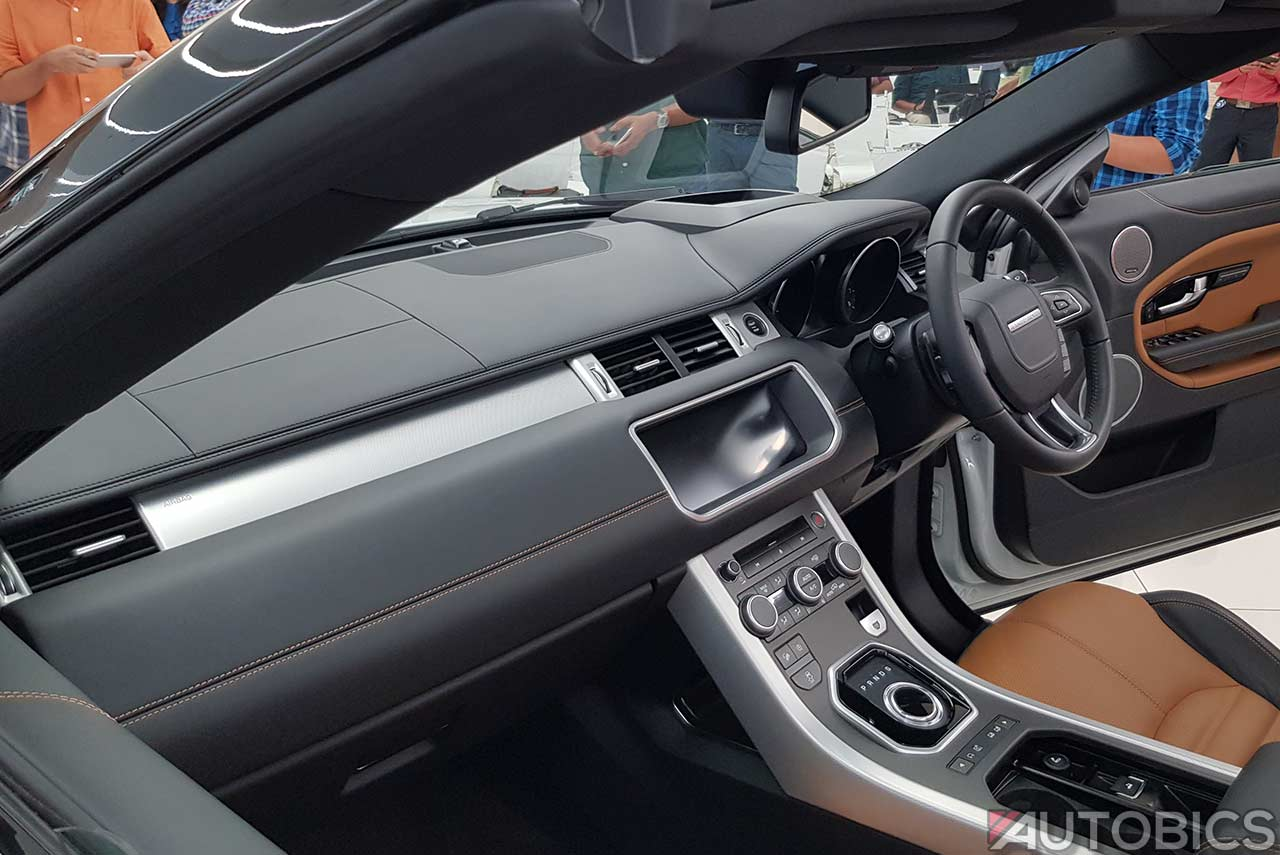 Range Rover Evoque Convertible Dashboard India 2018 Autobics