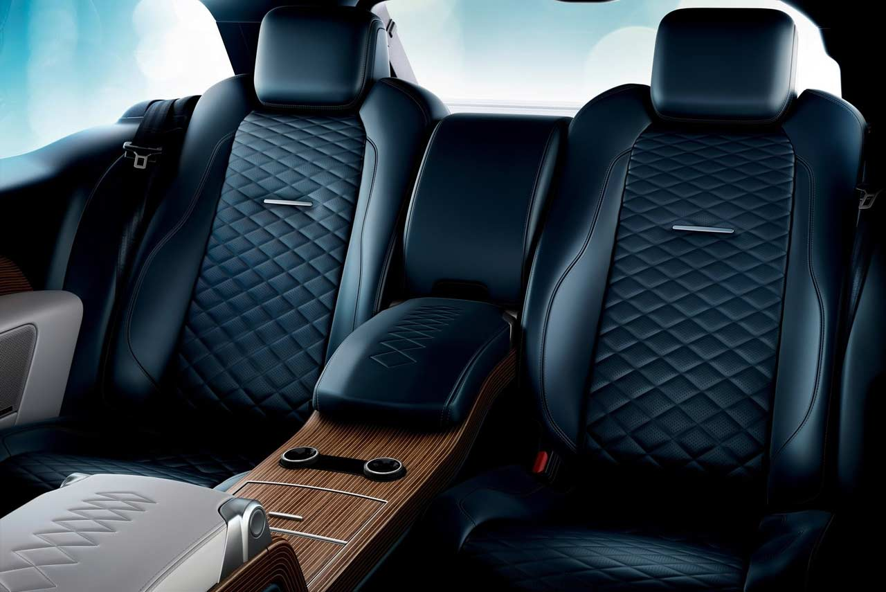 range rover sv coupe rear seats 2019