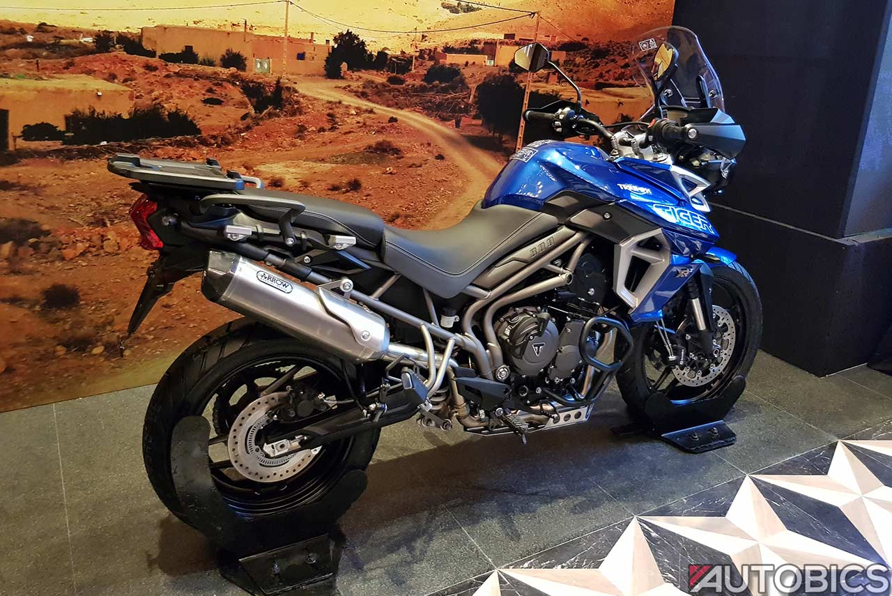 new 2018 triumph tiger 800 xr xrx xcx launched in india. Black Bedroom Furniture Sets. Home Design Ideas