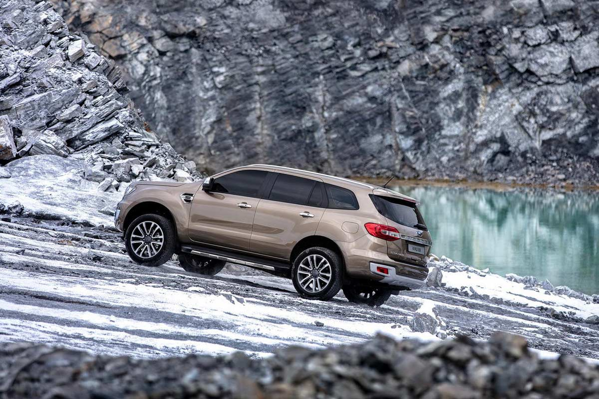 New Ford Everest Rear Side 2019 | AUTOBICS