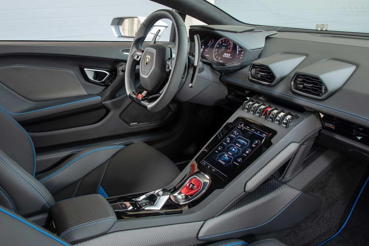 2019 Lamborghini Huracan Evo Interior Autobics